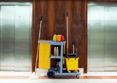 Contratar un servicio de limpieza para comunidades de vecinos